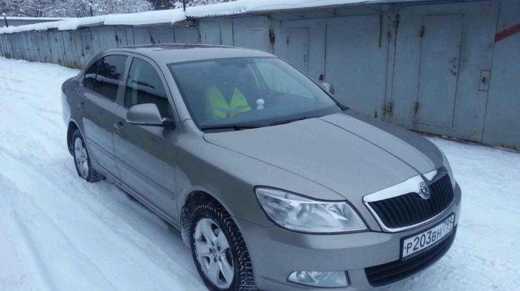 Skoda Octavia, хэтчбек, 2011г.в., пробег: 110577км вМоскве, хэтчбек, серый, бензин, цена— 395000 рублей. Фото 1
