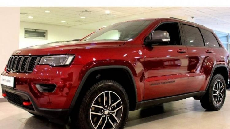 Продается Jeep Grand Cherokee 2018 вПерми, внедорожник, красный, бензин, цена— 3989000 рублей. Фото 1