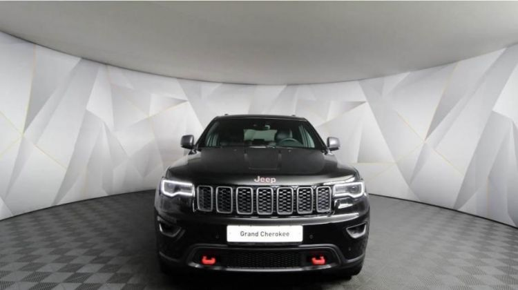 Продается Jeep Grand Cherokee 2018 вПерми, внедорожник, черный, бензин, цена— 3989000 рублей. Фото 1