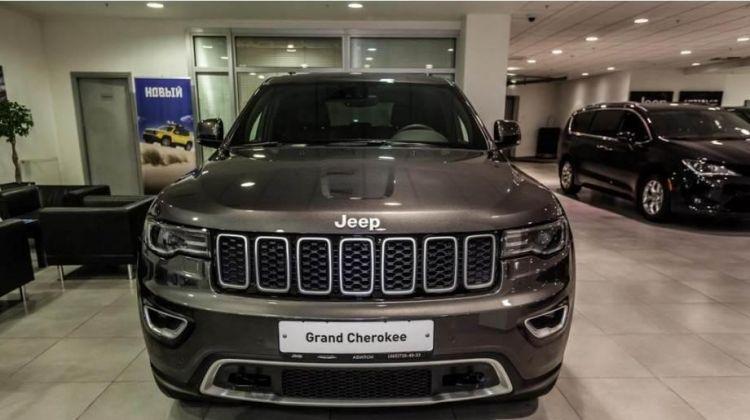 Продается Jeep Grand Cherokee 2018 вПерми, внедорожник, серый, бензин, цена— 3644000 рублей. Фото 1