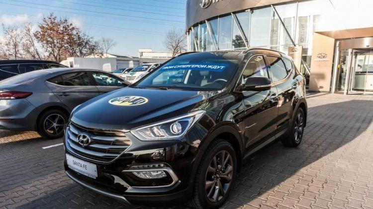 Продается Hyundai Santa Fe2017 вПерми, внедорожник, черный, дизель, цена— 2414427 рублей. Фото 1